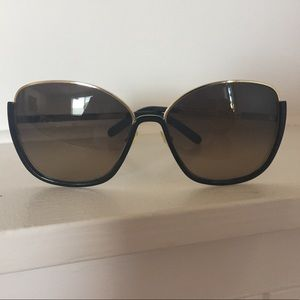 Chloe sunglasses style CE116s. With case.
